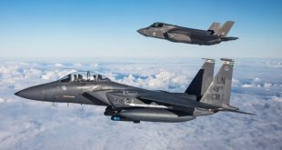 Can an old F-15 Strike Eagle fighter jet beat a new F-35 Lightning II Stealth Fighter jet in a Dogfight?
