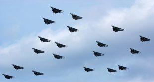 22 F-14 Tomcat impressive last formation flying - Saying Goodbye