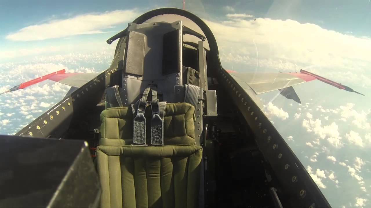 F-16 Makes its First Unmanned Flight (No pilot in cockpit)