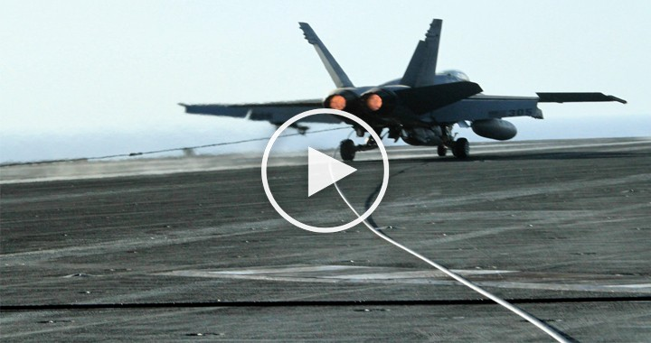when a f18 crashed into sea due to arresting cable break