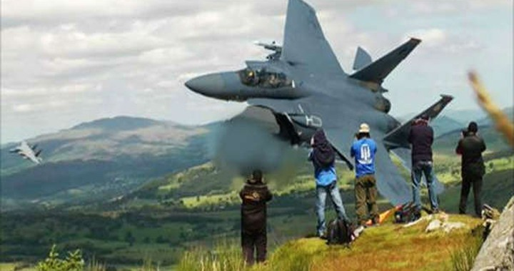 Fighter jets insane low-level flying through Mach Loop