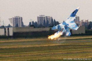 Sukhoi Su-30 Crash AT PARIS AIR SHOW Le Bourget 1999