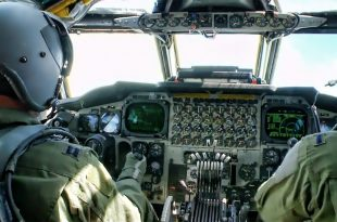 Inside a 60-year-old B-52 Stratofortress Cockpit • Takeoff To Landing