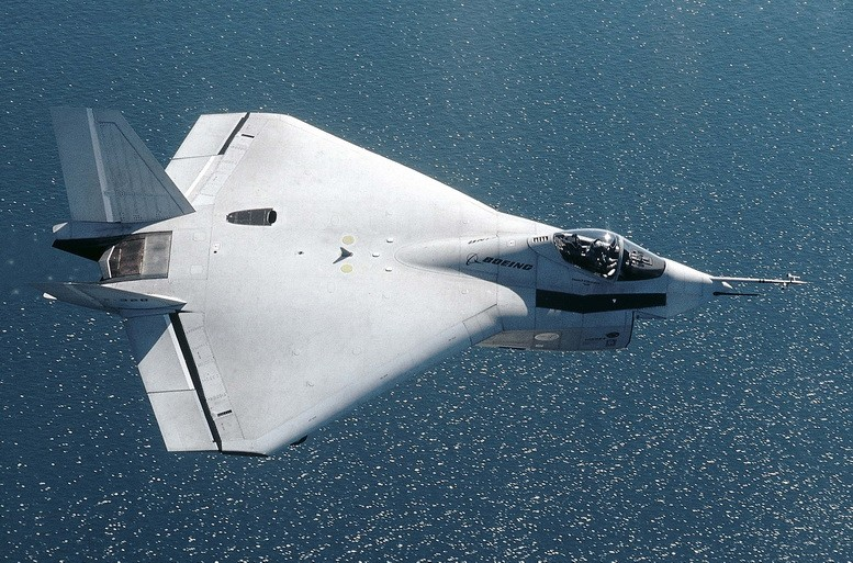 Boeing X-32A & X-32B Joint Stike Fighter in action