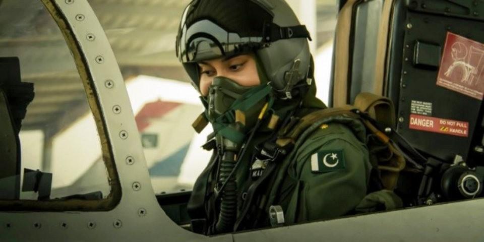Marium Mukhtiar Shaheed-Pakistan First Female Fighter pilot Died in F-7 Crash