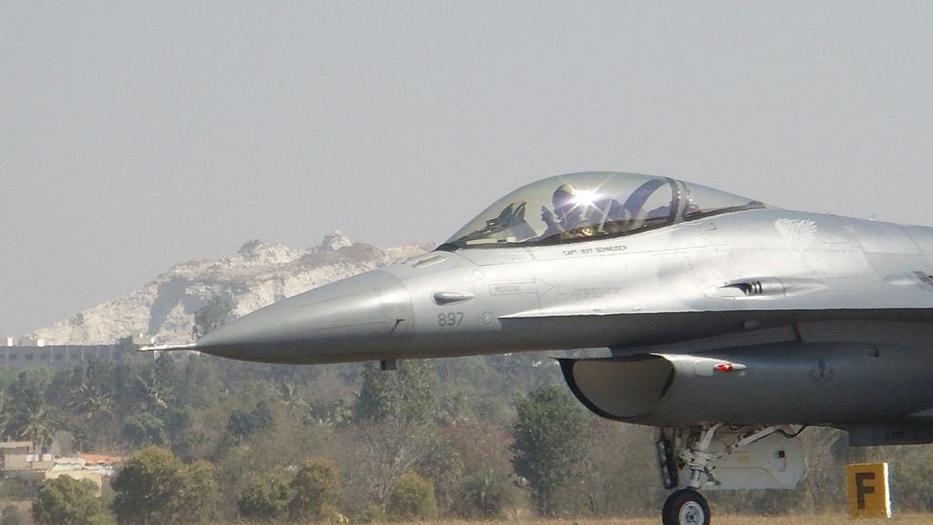Ten Reasons Why India Should go for F-16V Block 70/72 | Fighter Jets