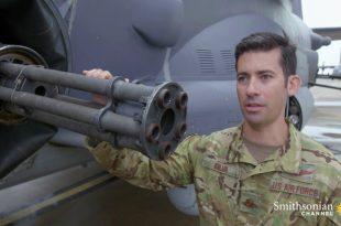 AC-130105 mm-howitzer-Gunship-Cannons-Gatling-Gun