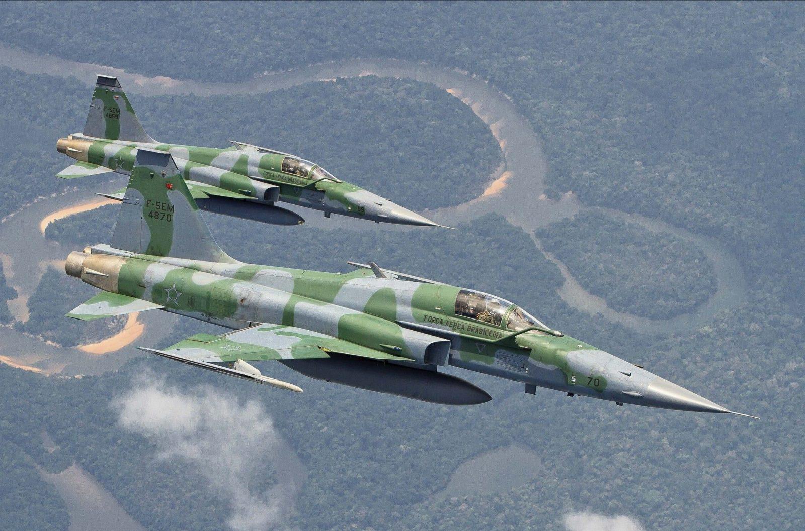 Brazilian Air Force F-5 fighter crashed near Rio de Janeiro