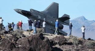 F-35 Lightning fighter jet Low Level Flying at Mach Loop & Death Valley