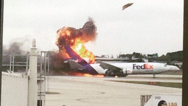 When FedEx Express Flight 910 plane burns at Fort Lauderdale airport