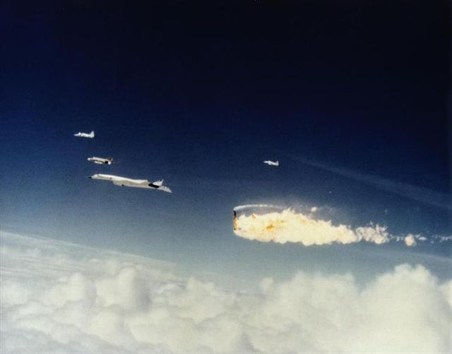 XB-70 Valkyrie Mid-air collision with NASA F-104N Starfighter 1