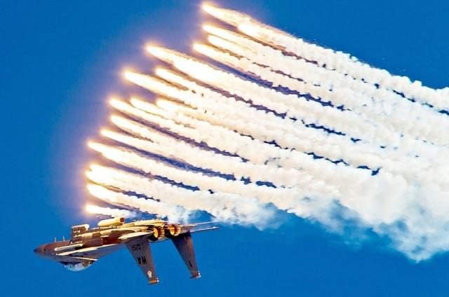 F-15E-DODGED-IRAQI-Roland-SAMs-missile 1