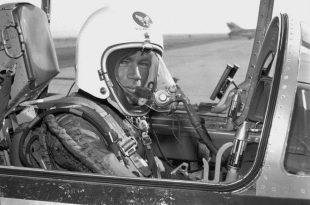 On December 1959: Air Force test pilot Captain Joe Bailey Jordan, United States Air Force, established aFédération Aéronautique Internationale(FAI) World Record for Altitude. Captain Joe Jordan zoomed to 103,395.5 feet in a modified F-104C.