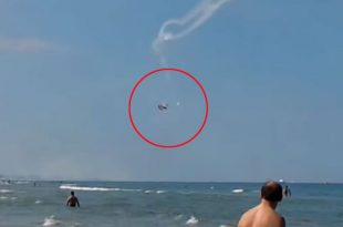 Video of Two-plane collision at Tortoreto air show 1