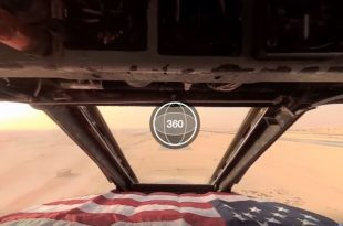 B-52 Stratofortress 360° VR cockpit view landing