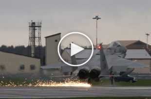 Video of F-15 Arresting Cable Landing 3