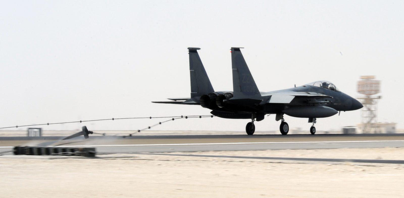 Video of F-15 Arresting Cable Landing