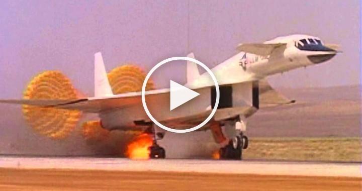 XB-70 Valkyrie Emergency landing 1