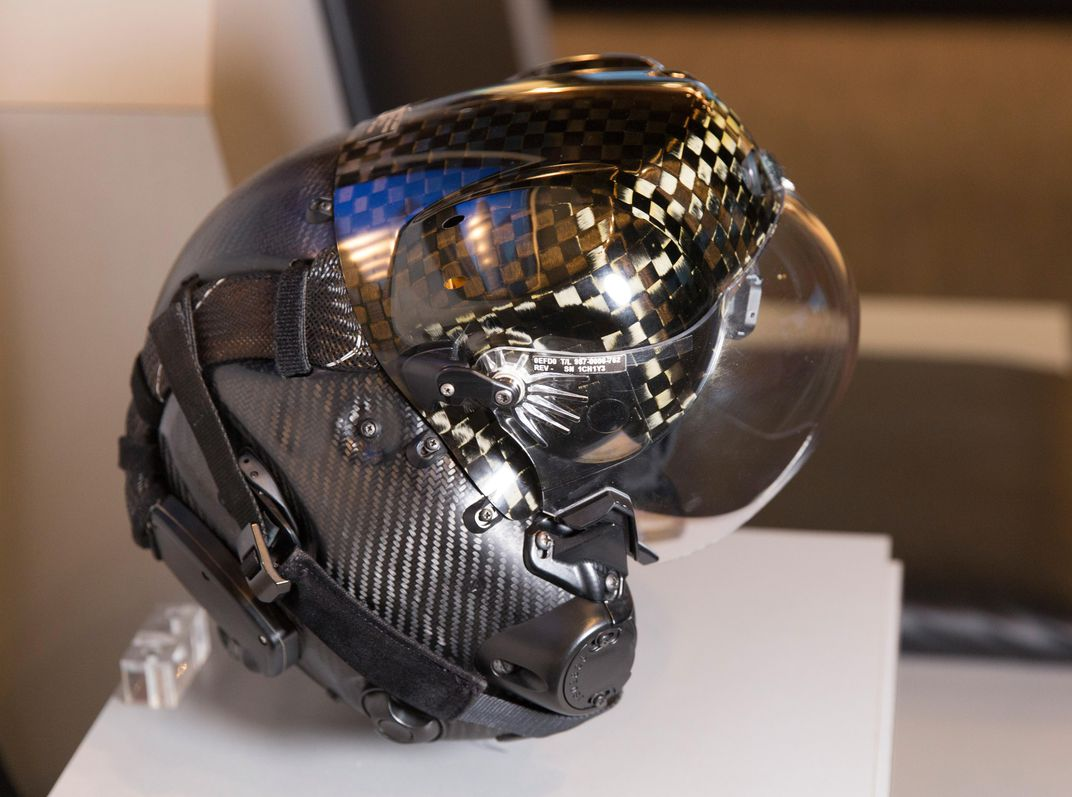 $400,000 F-35's New Generation Super Smart Helmet 2
