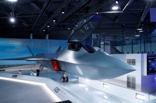 "UK unveils new Sixth-generation ""Tempest"" fighter jet model at Farnborough airshow"