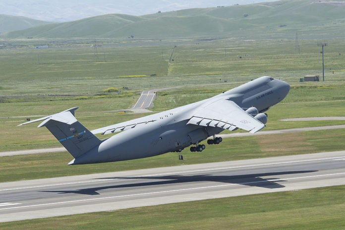 Analysis and video of C-5 Galaxy crash at Dover Air Force Base 1