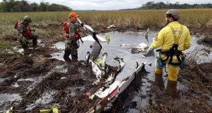 Four dead including Paraguay Minister of Agriculture in a Beechcraft 58 Baron crash