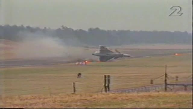 Here's Video of all Saab JAS 39 Gripen fighter jet Crash Caught On Camera