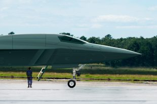 Russia's defense ministry confirms that its New PAK-DA bomber will use stealth tech