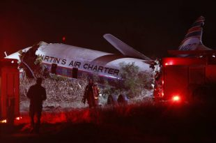 Convair-340 plane crashed in South Africa leaves one dead and 20 injured