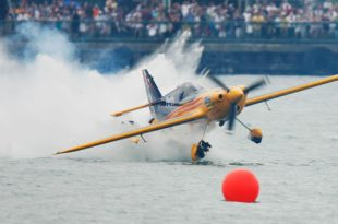 Video of Close Call for Red Bull Air Race Pilot