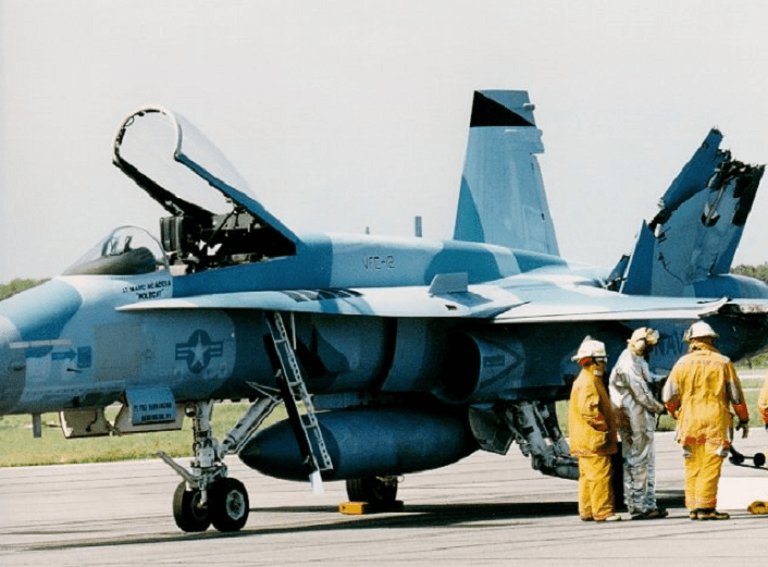 Hornet-midair-collision1