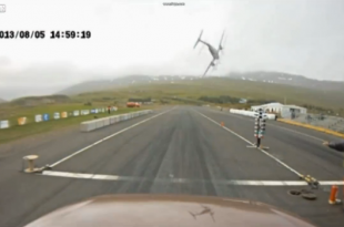 Watch: Plane crashing into the ground in Iceland
