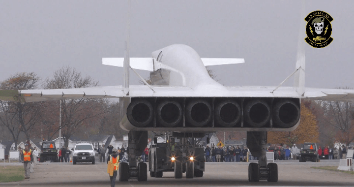 Watch XB-70 Valkyrie: The largest and fastest bomber that the US ever built