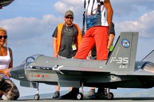 F-35 LIGHTNING II Fighter Jet Giant RC SCALE MODEL