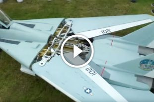 RC F-14 Tomcat Twin Turbines that can sweep back its wings during flight
