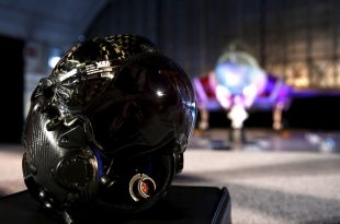 Serious Flaw in $400,000 Lockheed Martin F-35 Lightning II Helmet