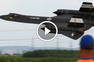 "SR-71 ""Buzzing the tower"":Story of Blackbird Commercial Airport Flyby"