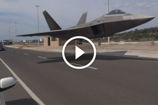Why the F-22 Raptor Would Dominate over Russia or Anyone
