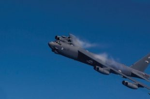 B-52 Stratofortress High-Speed Flyby With Vapor–She's Screaming Too