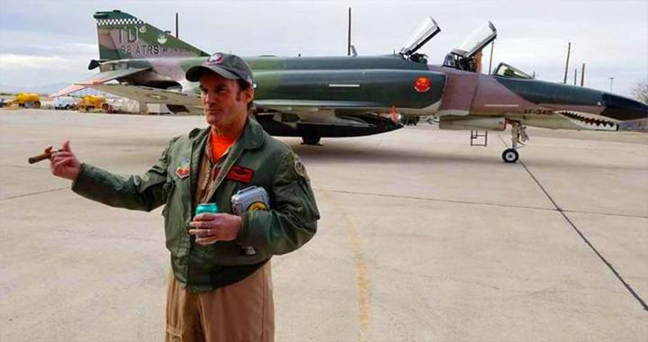 Badass Pilot Takes The F-4 Phantom II On Its Final Flight