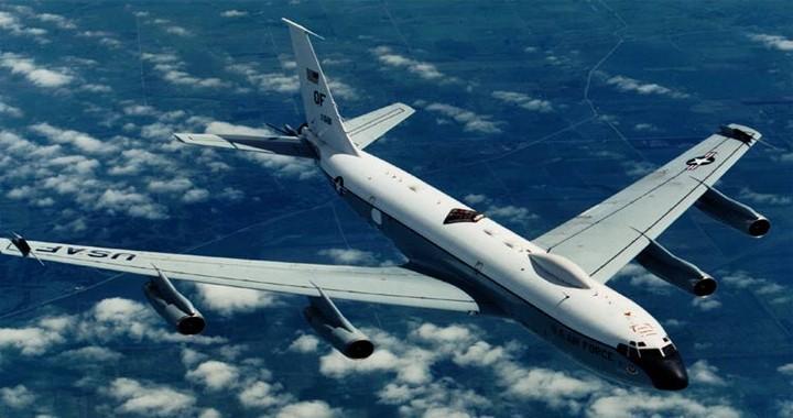 Boeing-EC-135-looking-glass.jpg