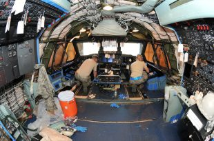 Inside The Largest Plane In The Air Force: The Gigantic Lockheed C-5 Galaxy