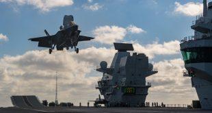 RAF test F-35 pilot carried backward landing on HMS Queen Elizabeth