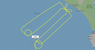 Airbus A400M Test pilots in Spain draw a Giant 'Dick In A Box' In The Sky