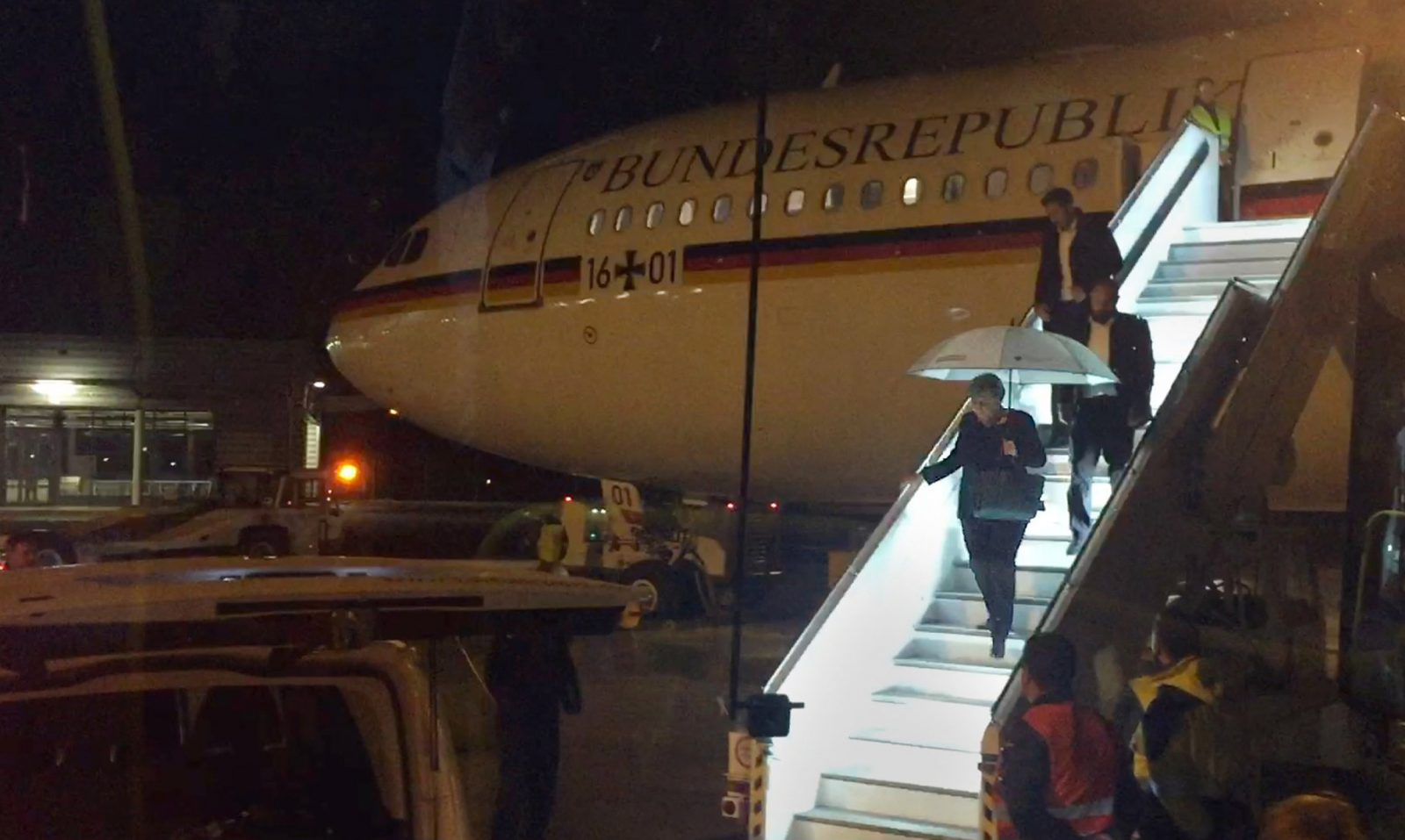 Luftwaffe Airbus A340-313 Carrying Angela Merkel To G20 summit Performs Emergency Landing