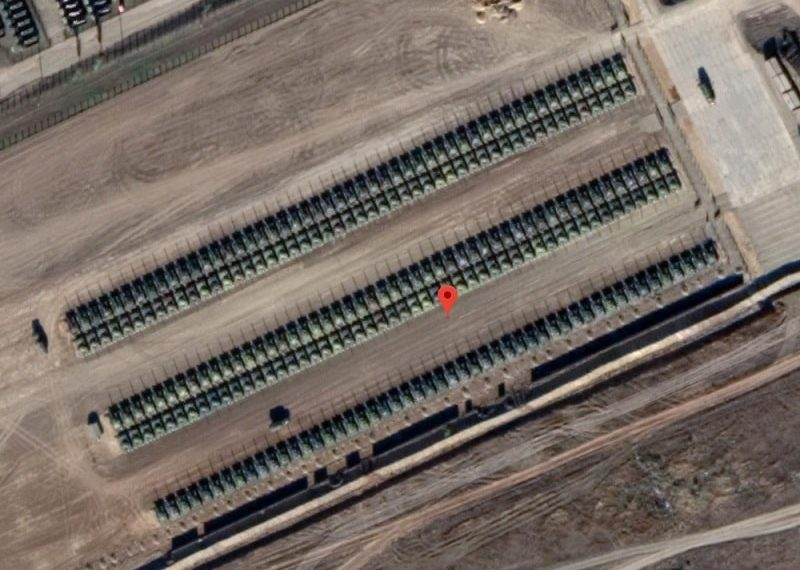 Russia ready to invade? hundreds of tanks near the border with Ukraine