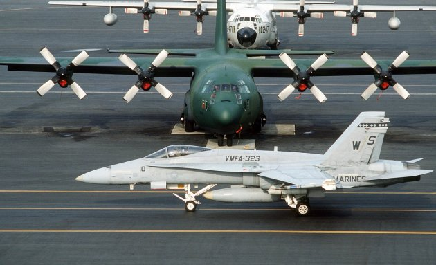 2 US military aircraft crash off Japan