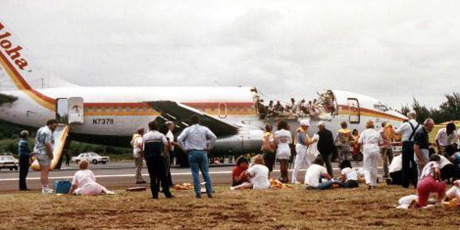 How Heroic Aloha Airlines Flight 243 Pilots Managed To