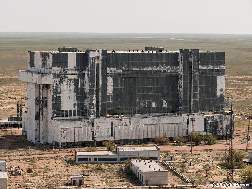 Urban Explorer finds Remains Of Abandoned RUSSIAN SPACE HANGAR in Kazakhstan