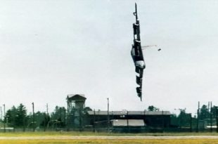 26 Years Ago Today U.S. Air Force B-52 Stratofortress Crashed At Fairchild Air Force Base